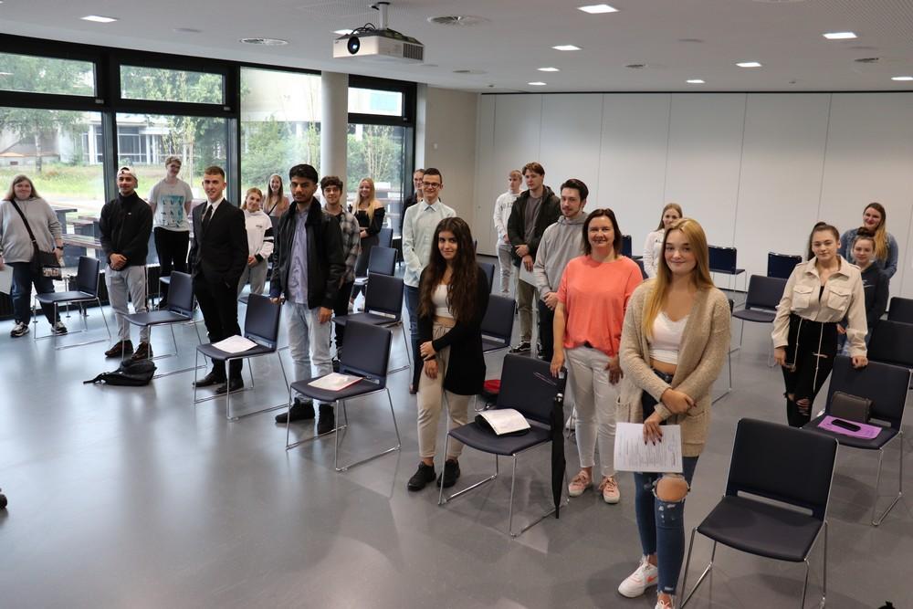 Klasse BFB 194 mit Klassenlehrerin Silke Lübke